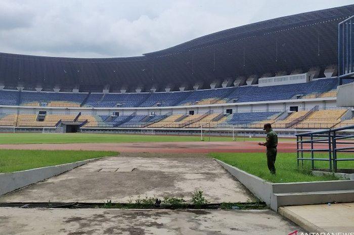 Stadion Gelora Bandung Lautan Api, Kota Bandung.