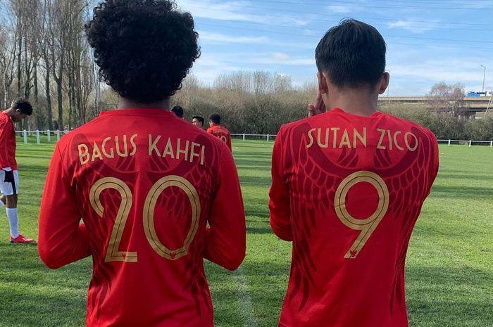 Penyerang Garuda Select, Amiruddin Bagus Kahfi dan Sutan Zico, melakukan persiapan sebelum pertandingan melawan Huddersfield U-18 pada Rabu (20/3/2019).