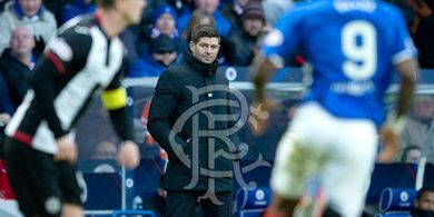 Sir Alex Ferguson Turut Andil dalam Kesuksesan Steven Gerrard di Rangers