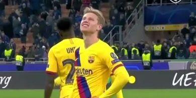 Geleng-geleng Kepala, Ini Reaksi Frenkie de Jong saat Ajax Tersingkir