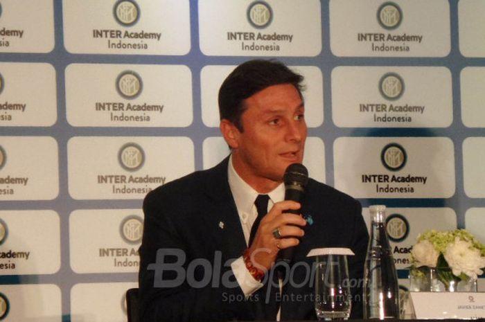 Wakil Presiden Inter Milan, Javier Zanetti, berbicara soal Inter Academy Indonesia dalam konferensi