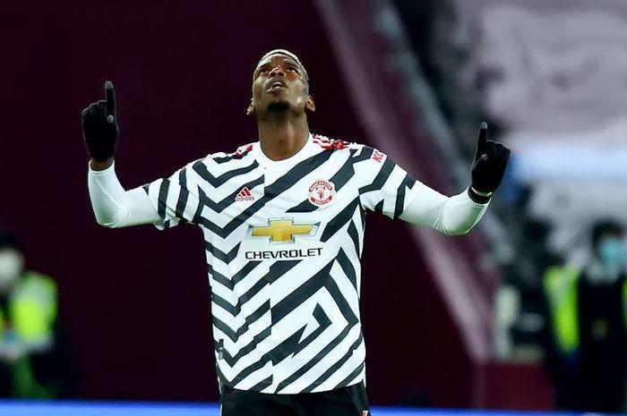Paul Pogba merayakan golnya untuk Manchester United ke gawang Burnley dalam laga Liga Inggris di Turf Moor, 12 Januari 2021.