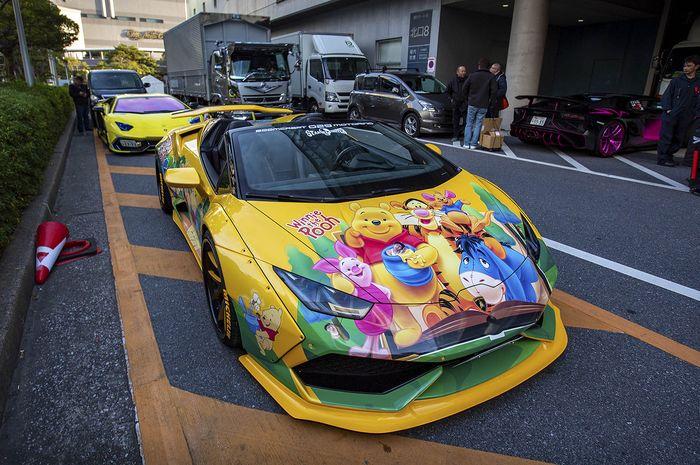 Modifikasi Lamborghini Aventador Roadster berkelir Winnie The Pooh