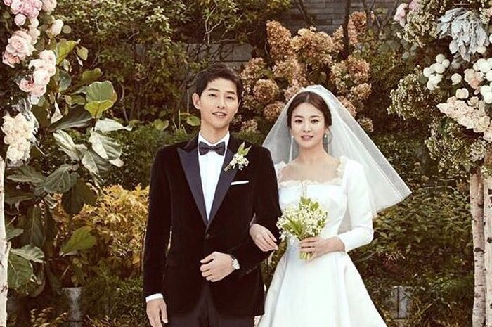 Song Joong Ki telah tertarik dengan Song Hye Kyo jauh sebelum dipasangkan dalam satu drama