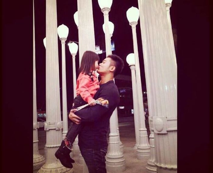 Raymond bersama putri kecilnya